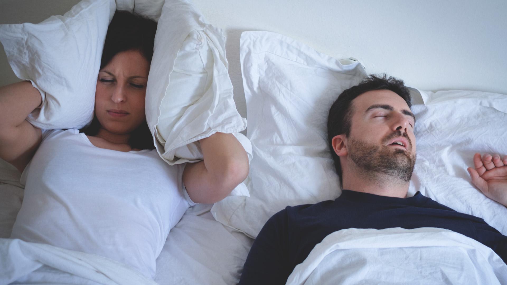 Tappi per dormire quando qualcuno russa