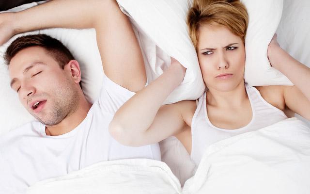 10 motivi per cui l 39 udito diminuisce for Tappi orecchie silicone per dormire