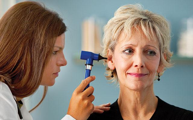10 motivi per cui l'udito diminuisce