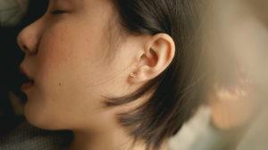 Auricoloterapia: ritrovare il proprio benessere con il massaggio dell'orecchio